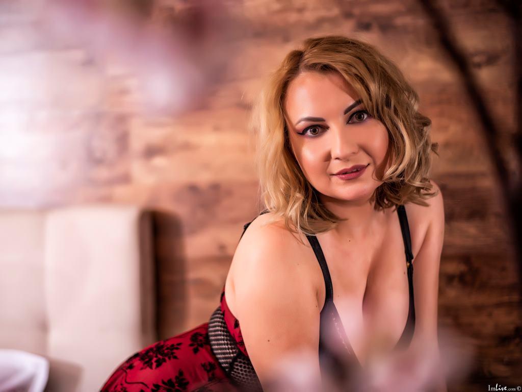 LeahLion's Profile Image