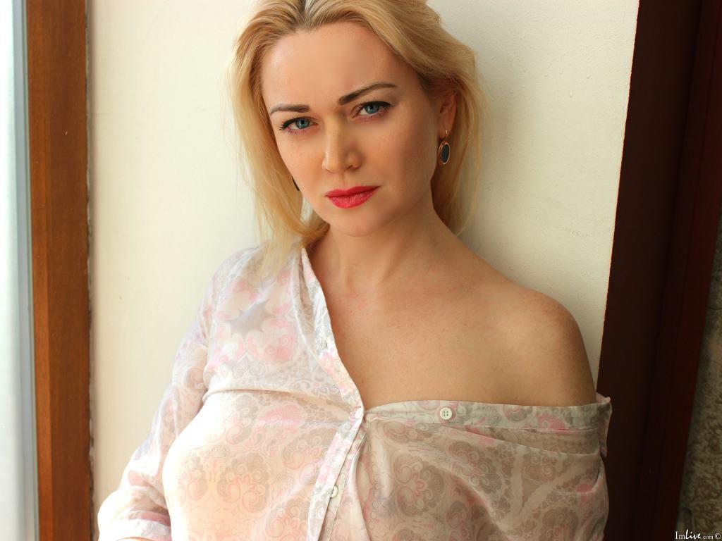 SharonLight's Profile Image