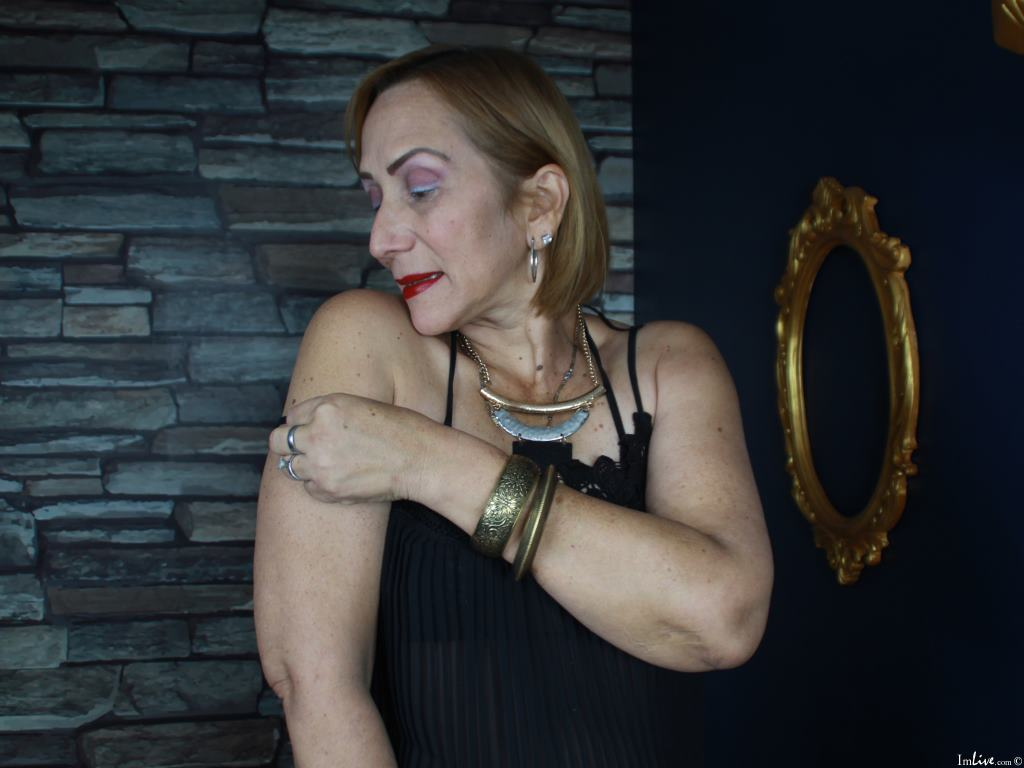 DianeOasis00's Profile Image