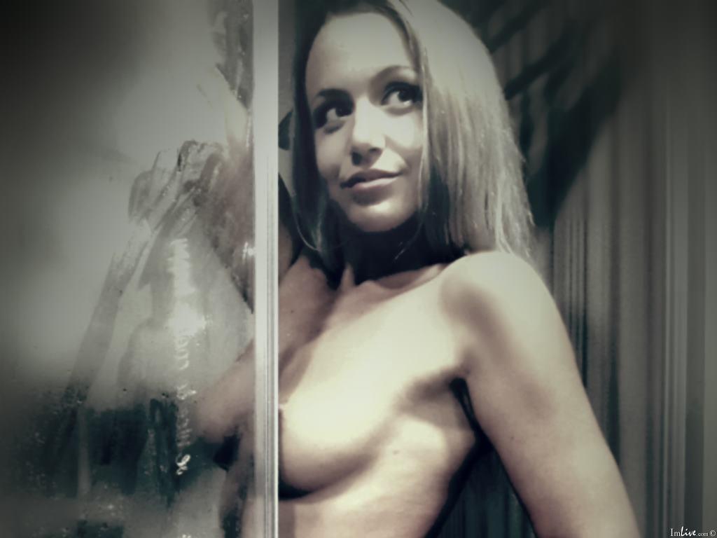 MelanieBlonde_'s Profile Image
