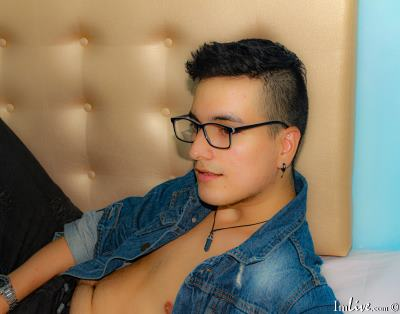 IannDepaul, 21 – Live Adult gay and Sex Chat on Livex-cams