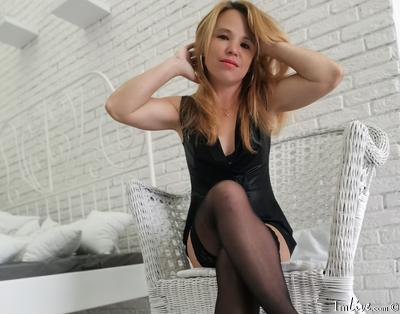 DinaAlladina, 43 – Live Adult cam-girls and Sex Chat on Livex-cams